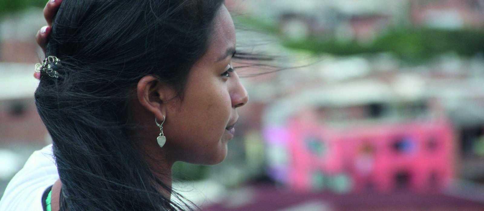 Catalina schaut über die Stadt