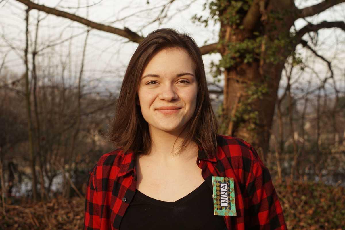 Portrait von Nina