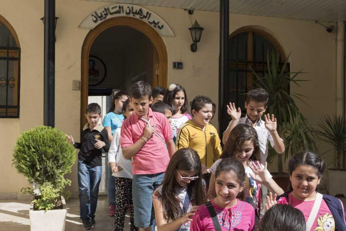 Viele Kinder, die aus dem Don Bosco Zentrum in Damaskus kommen